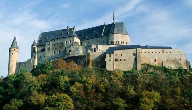 Luxembourg agrees to abandon bank secrecy